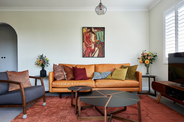 Midcentury Family & Games Room by INSIDESIGN
