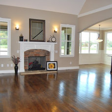 Traditional Family Room by Satterwhite Construction Inc.
