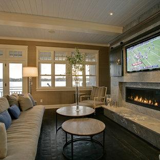 Idee per un soggiorno chic con TV nascosta
