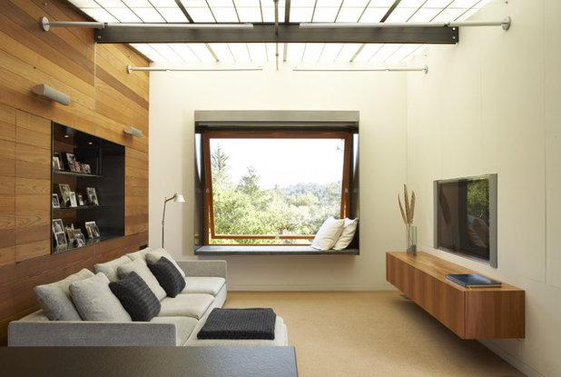 モダン ファミリールーム by Quezada Architecture