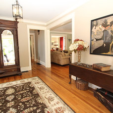 Traditional Family Room by Interior Makeovers by Annie OCallaghan