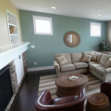 Traditional Family Room by Eastbrook Homes