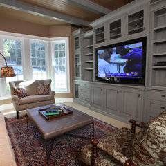 eclectic family room by Signature Design & Cabinetry LLC