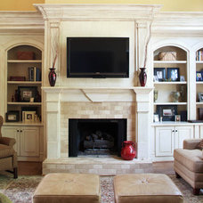 traditional family room by Mary Trantow