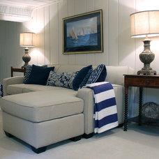 Traditional Family Room by Ta-da! Homes, LLC