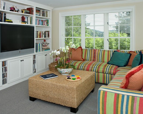 Small tv room houzz for Small tv room design ideas