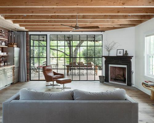 Landhausstil Wohnzimmer mit Eckkamin Ideen, Design & Bilder | Houzz