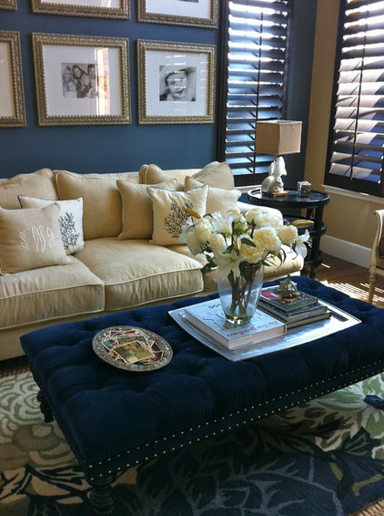 traditional family room by Savvy Interiors