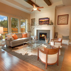 Traditional Family Room by Streetman Homes