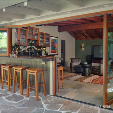 Modern Bar & Family Room - Bay Area, Sunnyvale