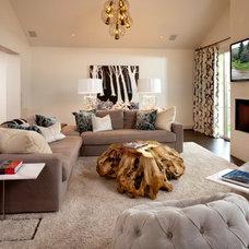 Modern Family Room by Jennifer Welch Designs