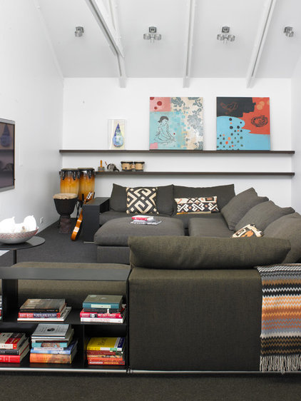 Contemporary Family Room by Streeter & Associates, Inc.