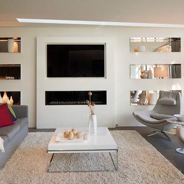 Modern Family/Living Room
