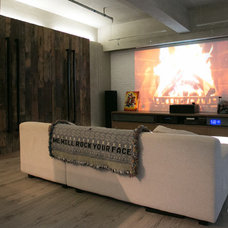 Modern Family Room by Liquid Interiors Limited