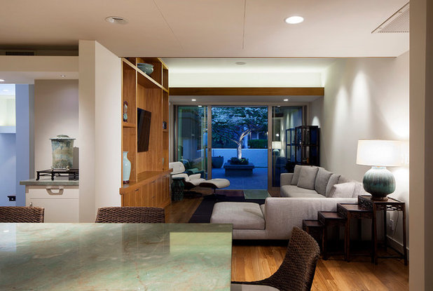 Modern Family Room by Peter Vincent Architects