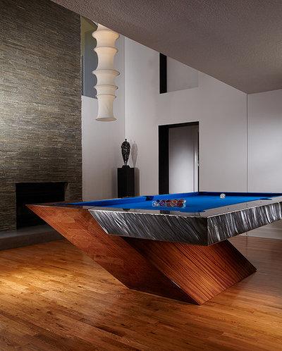 Moderne Salle de Séjour by Mitchell Pool Tables