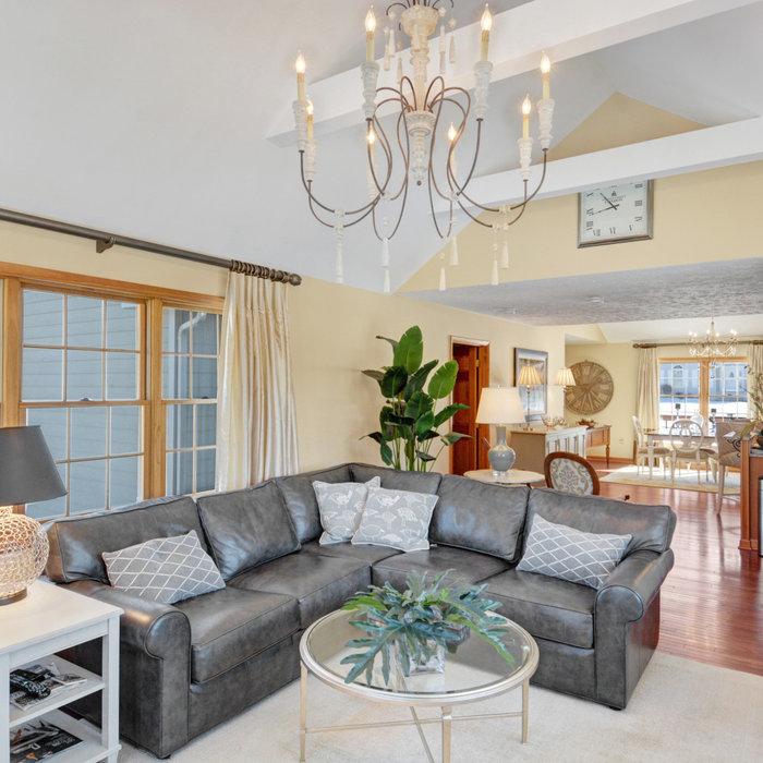 Modern Sunroom, Living Area and Bedroom