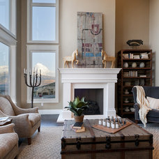 Traditional Family Room by Candlelight Homes