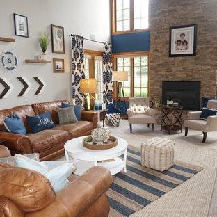 ボルチモアの大きいビーチスタイルのおしゃれな独立型ファミリールーム (マルチカラーの壁、カーペット敷き、標準型暖炉、石材の暖炉まわり、壁掛け型テレビ、ベージュの床) の写真