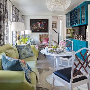Mittelgroßes Stilmix Wohnzimmer ohne Kamin mit Keramikboden, weißem Boden, Hausbar, weißer Wandfarbe und Wand-TV in Richmond