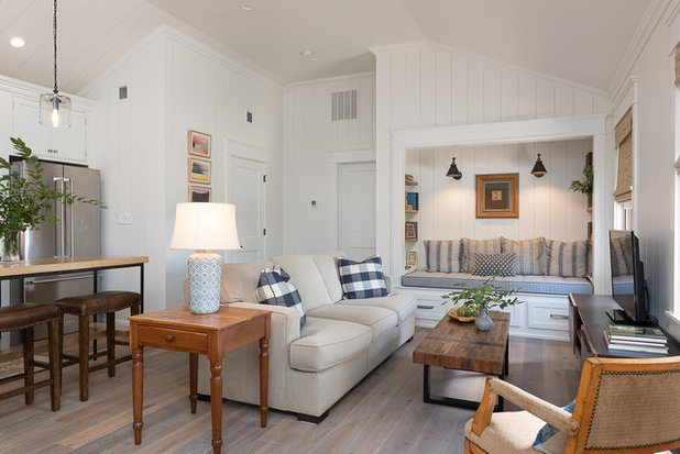 Farmhouse Family Room by Anderson & Rodgers Construction
