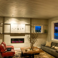 Modern Family Room by Bear Mountain Builders