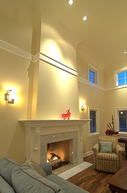 Traditional Family Room by Hanson Carlen