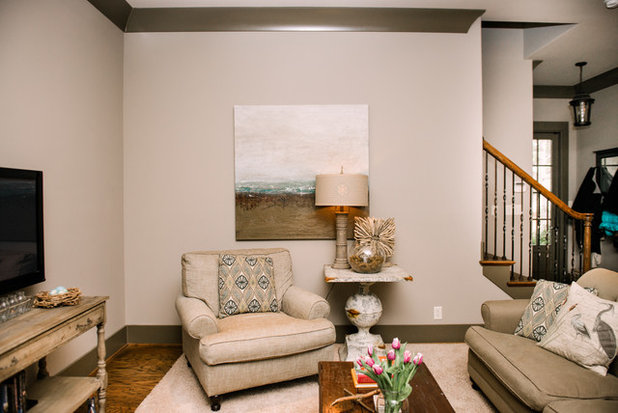 Traditional Family Room by Two Ellie