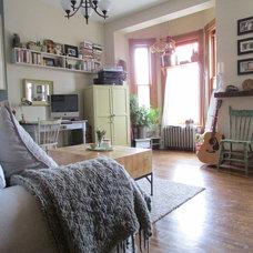 Farmhouse Family Room by Jenn Hannotte / Hannotte Interiors