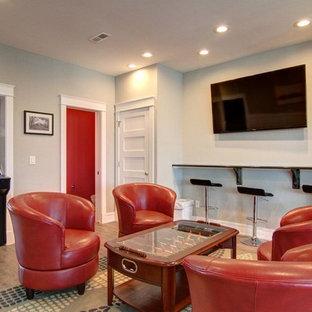 他の地域の中サイズのコンテンポラリースタイルのおしゃれな独立型ファミリールーム (ゲームルーム、グレーの壁、クッションフロア、暖炉なし、壁掛け型テレビ) の写真