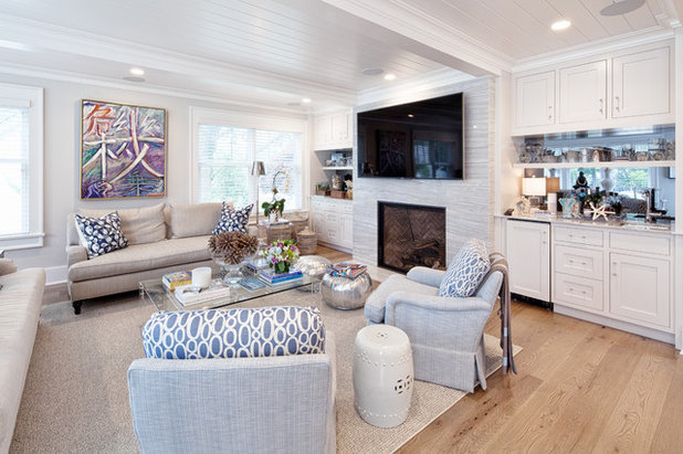 Transitional Family Room by VAS Construction Inc.