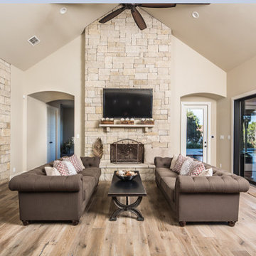 New Braunfels TX - Newcombe - Custom