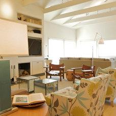 Contemporary Family Room by Elizabeth Brosnan Hourihan Interiors
