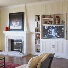 traditional family room by InHouse Design Studio
