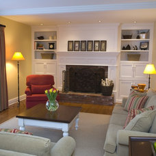 Traditional Family Room by Decorating Den Interiors - Sarah Pacey