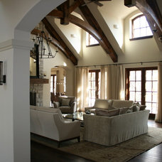 Traditional Family Room by MCCORMACK & ETTEN ARCHITECTS LLP