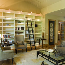 Modern Family Room by Bob Michels Construction, Inc.