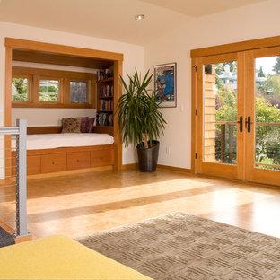 Inspiration pour une salle de séjour design avec un sol en liège.