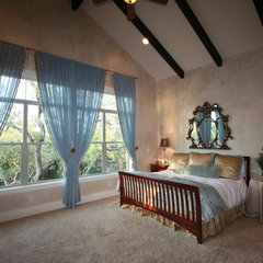 mediterranean family room by Capstone Custom Homes