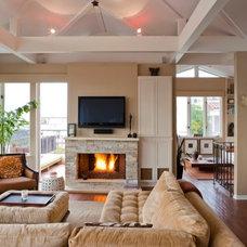 Modern Family Room Ocean retreat