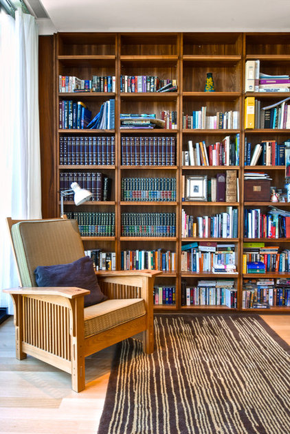 Modern Family Room by Andrew Snow Photography
