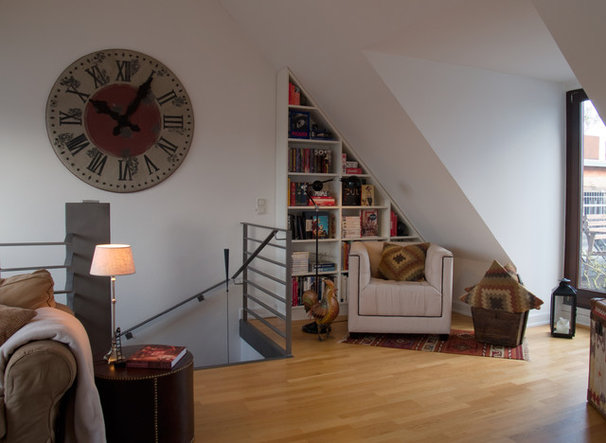 Eclectic Family Room by in3interieur