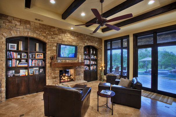 Traditional Family Room by AUSTIN DESIGN GROUP