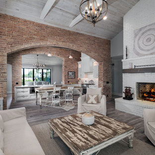 Open concept family room/kitchen