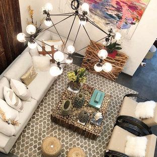 Immagine di un grande soggiorno minimal stile loft con pavimento in compensato