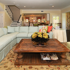 Traditional Family Room by BASSO HOMES Inc