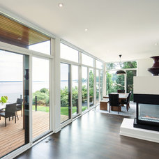 Contemporary Family Room by Christopher Simmonds Architect