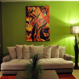 Ispirazione per un soggiorno eclettico di medie dimensioni e aperto con pareti multicolore, pavimento in vinile, nessun camino e pavimento beige