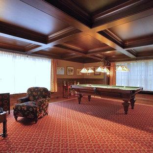 Foto di un grande soggiorno classico chiuso con sala giochi, pareti beige, moquette e pavimento rosso
