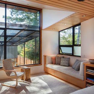 Exemple d'une petit salle de séjour scandinave avec aucune cheminée et aucun téléviseur.
